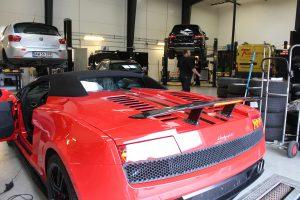 Lamborghini på værksted i Silkeborg